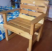 Продам кресло из цельной сосны