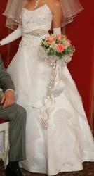 Продам оригинальное свадебное платье белого цвета